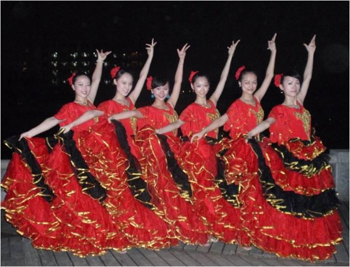 民族舞节目串词