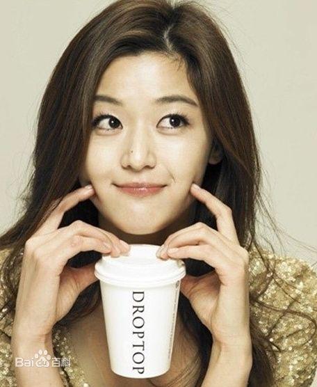 电影《雏菊》的女主角,而全智贤的片酬高达7亿韩元(约合人民币578万元