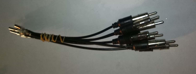 电子端子连接线用于移动部件与主体之间作数据传输,导线的连接可以任意选择导线数目及间距,在电脑、通讯、家电、电源、照明、电力设备、医疗设备、机电及汽车行业大量应用端子连接线:额定温度:80C/105C,额定电压:300V/600V,通过UL VW-1 及CSA Ft1 。产品名有:电脑cUSB数据线HDMI连接线 音频线PVC PE连接线硅胶连接线 铁氟龙连接线 高温电源线 PCB板端子 五金端子,螺帽端子,弹簧端子 高清屏连接线端子 音频转接线接口端子RCA连接线 显示器连接线 汽车端子连接线 DC电源
