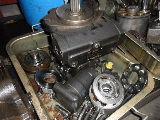 专业维修液压泵马达图片