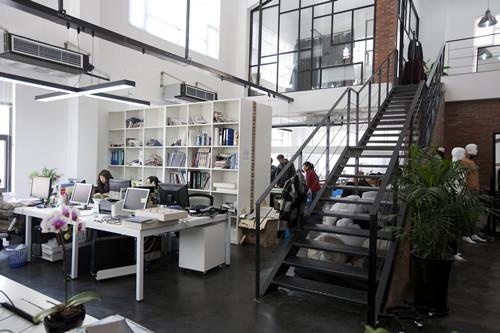 别具一格的loft式厂房办公室装修风格