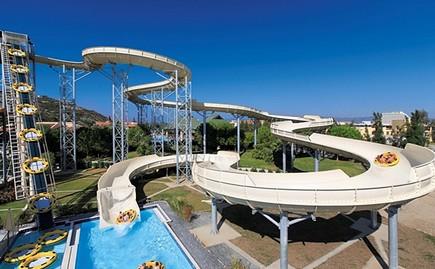 公司员工通过众多水上乐园,游泳池,温泉度假村项目的策划设计,施工图片