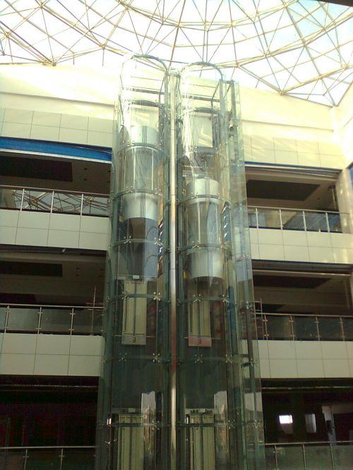 供应钢结构电梯井道,玻璃幕墙