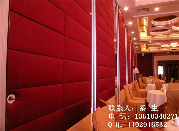 1,实体的墙面酒店隔断:主要是以覆膜细木板以及石膏板,三聚氰胺板