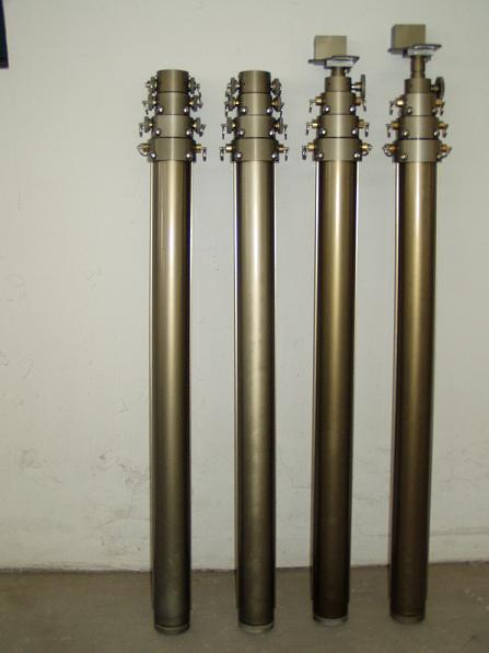 气动升降杆,手动升降杆,电动升降杆,自动升降杆 从工作原理和技术特征上来说,这种气缸相当于一个多节气缸。在使用时,通过向气缸内注入和排出空气,以实现各节气缸上升和下降运动。   各节气缸都是由优质铝合金材料制成的,整个制造过程经过挤压成型、冷拔、珩磨、机加工、阳极氧化等多道工艺技术,并经过严格的检验工序,以保证气缸的质量。了解多节升降气缸的结构情况,有详细的多节升降气缸结构图。多节升降气缸的优点是:结构简单,制造工艺精密,因此使用方便、性能稳定。气缸的规格是按照节数、*大节外径、初始高度、*大高度不同而确