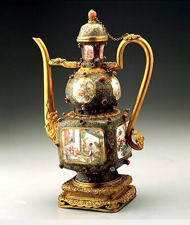 色地珐琅彩花卉纹碗,最高成交纪录(胭脂红地)760万元