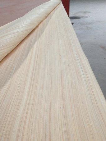 公司生产的4*8尺科技木皮可代替40丝及50丝全1级单板用来贴三聚氰胺板