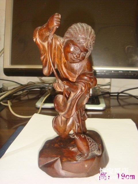 晚清民国以后的黄杨木雕圆雕小件以其古朴而文雅的色泽,精致而圆润的
