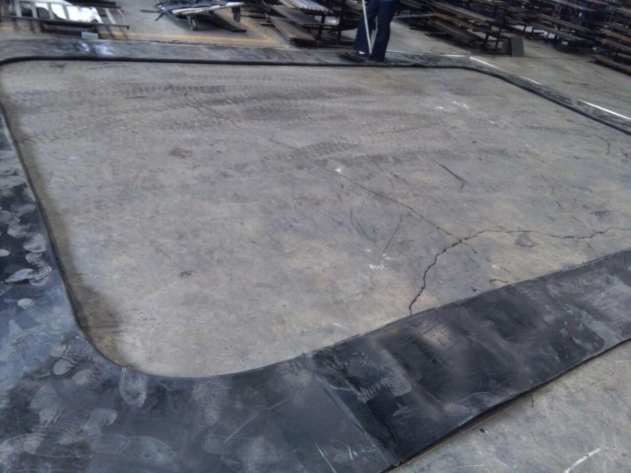 盾构出洞装置包括帘布帘布橡胶板,圆环板,扇形翻版及相应的连接螺栓和