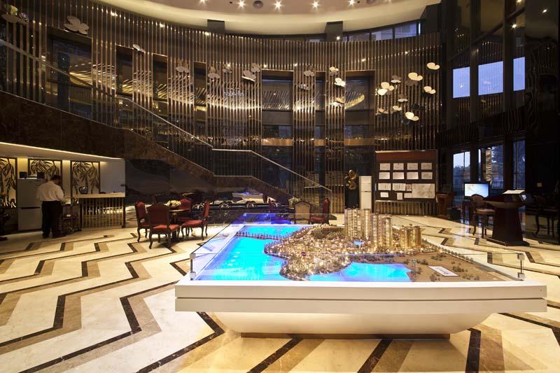 先行摄影是一家从事建筑与室内空间表现的专业室内摄影公司。专注于建筑摄影、室内装修摄影、酒店工程摄影、园林景观摄影等业务。拍摄项目遍及深圳、广州、北京、上海等全国大中城市。 先行摄影以专业的摄影角度再现设计和装饰亮点,为众多国内国际著名的房地产集团、建筑事务所、室内空间设计公司及室内装饰公司、园林设计公司、知名企业提供*专业和*优质的摄影服务。