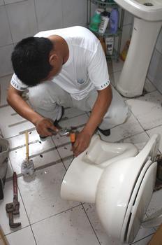 天通苑修水管水管接头漏水维修58426367疏通下水道修理马桶