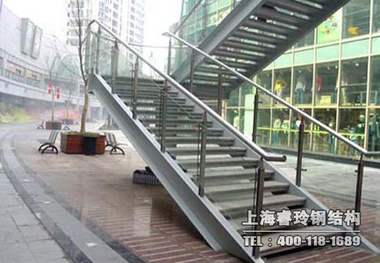 3,墙体是钢结构楼梯主要支撑点,固然对它的要求也是非常高的.