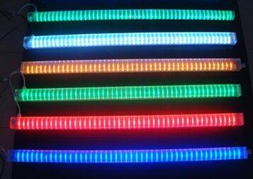 比如108灯的led七彩数码管是10w/m;144灯的led数码管是12w/m;若用400w