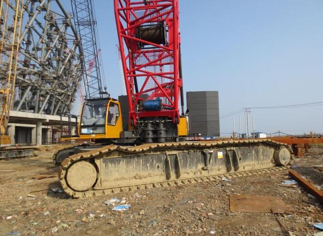 专业从事履带吊出租,租赁 现拥有履带吊车出租50吨.70吨.80吨.100吨.