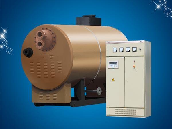 1.结构 间接加热热水锅炉的下半部结构与普通锅炉一样,由燃烧室与传热管组成,上半部分装有热交换器,炉体上部装设有膨胀水箱由于锅炉整体是在常压状态下,故绝对安全,炉内有热煤介在锅炉运行的全过程中不进、不出,在锅炉的传热管与热交换器之间传递热足。炉内的热煤介经加热完全脱氧和软化,无腐蚀、无水垢、使锅炉寿命长达20多年。内罝换热器严格按照管壳式换热器制造标准制造,壳程和管程分别作水压试验。 2.