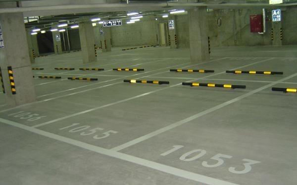 场设计施工 画停车位 画车位线 规划出图