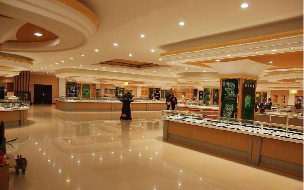 奢侈品店铺装修,奢饰品店铺装修设计,精商铺装修设计