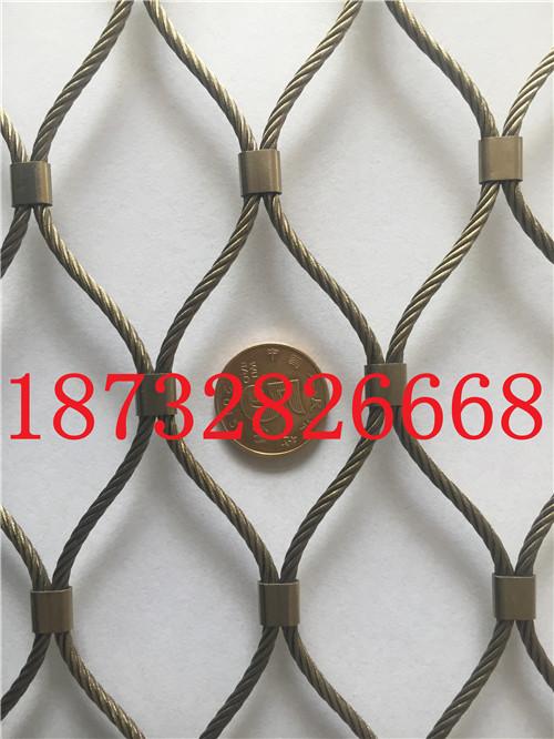 也是一种环保的,编织不锈钢绳网,一般的攀爬网是防腐的,抗氧化网,可用