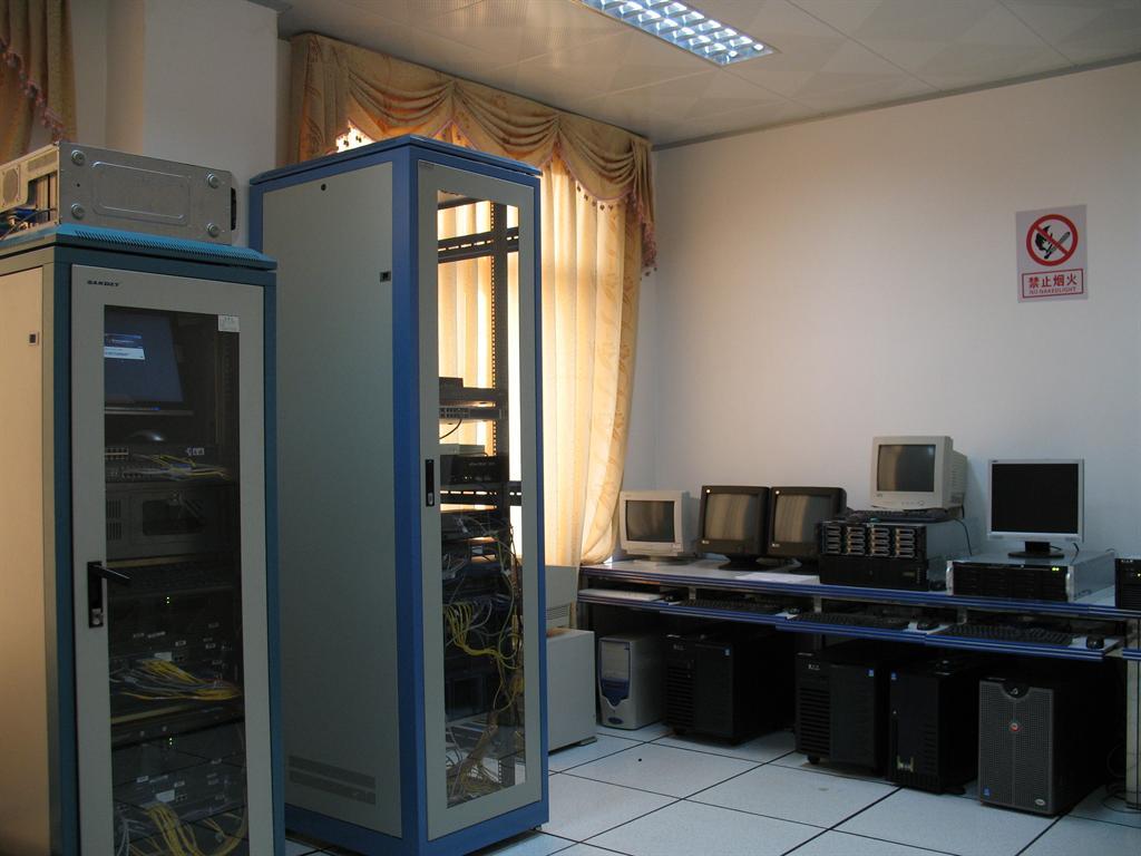 苏州公司工厂学校电话网络综合布线弱电工程安装维修