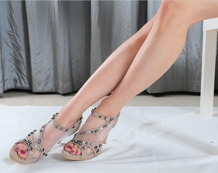 供应鞋厂批发订做欧美时尚真皮女鞋