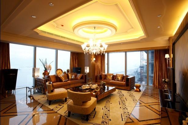 五星级酒店家具首选森源家具集团。森源家具集团是中国乃至亚洲最具知名度和影响力的家具制造商之一。作为中国家具业的领军企业,引领着中国家具行业的发展潮流 五星级酒店家具是指五星级酒店装修专用的配套家具。星级酒店家具又划分为五个等级:一星级、二星级、三星级、四星