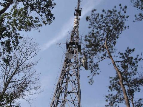 郑州电视信号塔,楼顶增高架