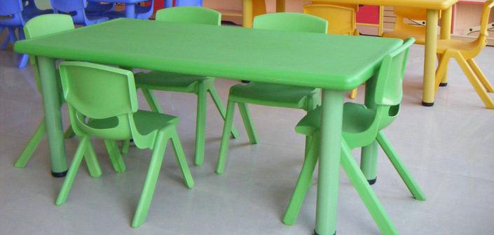 育才塑料儿童课桌椅