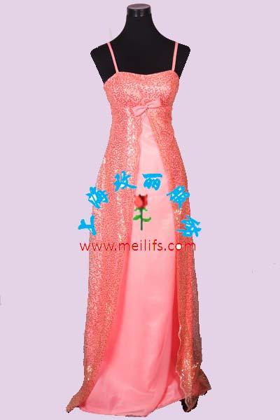 【礼仪服装】:主持人服装,毛披肩,新娘服装,奥运礼服,青花瓷礼服,改良