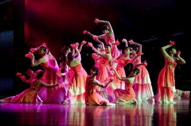 3舞蹈(街舞,韩舞,现代舞,拉丁舞,民族舞,古典舞,爵士舞图片