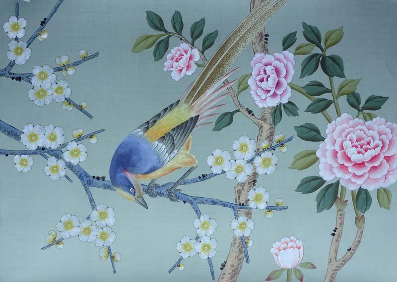 丝绸手绘壁纸以其原料的传统,天然,加工工艺的纯手工化,而受到客户的