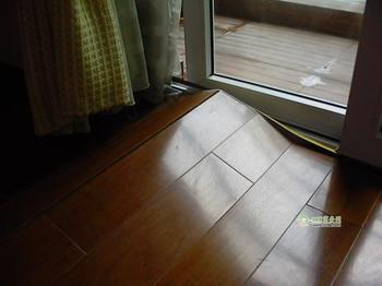 地板抛光,地板打蜡,局部更换等等