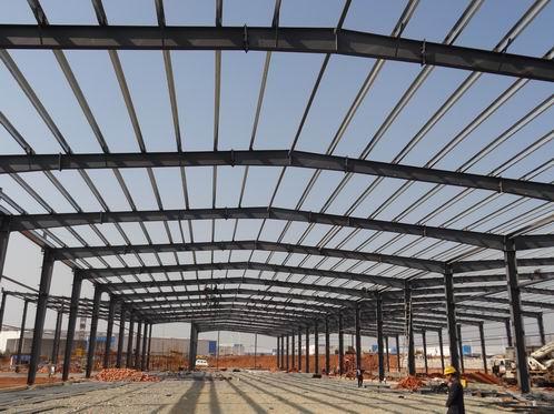 公司专业从事钢结构设计,制作,安装,配套工程和技术服务为主体的