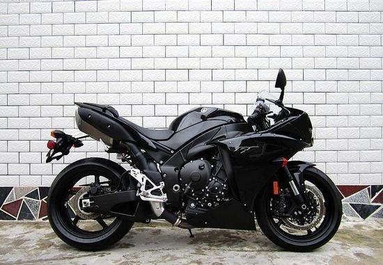 R1多少钱_雅马哈r1摩托车跑车图片