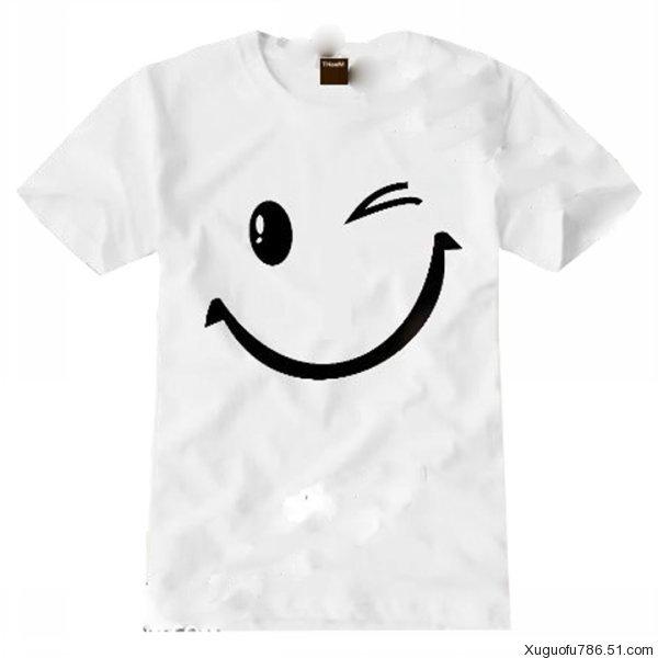 青岛定做文化衫,T恤衫,广告衫,青岛文化衫,青岛广告衫,青岛T恤衫,青岛衬衫,青岛文化衫定制,文化衫厂家订制,青岛文化衫设计,青岛T恤衫。 青岛定做广告衫公司以青岛为中心,为山东企事业单位定做生产文化衫,T恤衫,圆领衫,广告衫,采用现货销售和来样定做相结合的经营方式,各种颜色面料的文化衫,T恤衫在青岛均备有大量的现货。并可根据客户的要求提供电脑刺绣(logo)和织物印刷服务,专业为广大礼品公司,广告公司及企业事业单位合资企业服务 可根据客户的要求生产各种中高档文化衫,广告衫,T恤,采用各种面料(全棉,TC